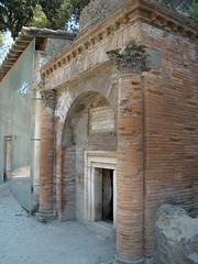 Pompeii, tomb, Porta Nocera (F. Tronchin) Tags: italy tomb pompeii pompei nocera