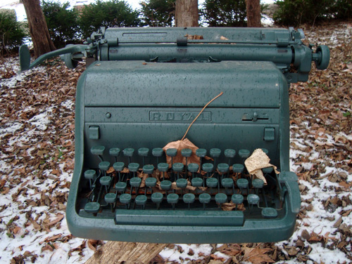12-12-green-typewriter