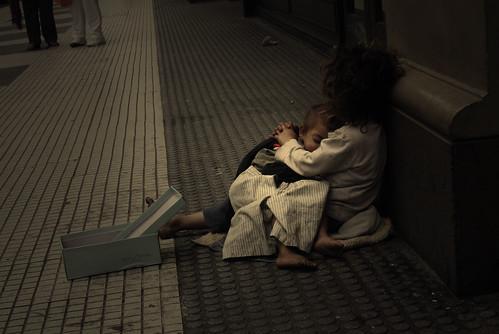 フリー画像| 人物写真| 子供ポートレイト| 外国の子供| ストリートチルドレン| 寝顔/寝相/寝姿| アルゼンチン人|     フリー素材|