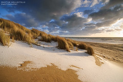 Dunes and Snow (Martijn Hollestelle) Tags: winter light snow photography sand nikon dunes zeeland martijn walcheren d60 dishoek zoutelande hollestelle