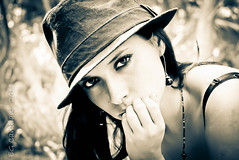 Sesin fotogrfica Tania (Opcin 2) (Ever Candiani Fotgrafo) Tags: cute sexy blanco girl beautiful beauty face lady female wonderful women legs modelo sensual sombrero lovely sensuality balcon tania hacienda cantante pantalon xalapa lencero haciendalencero pantalonsexy