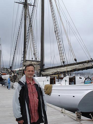 boston sailboat sailing massachusetts aaron alabama tallship bostonma sailboston sailboston2009 wwwtheblackdogtallshipscom gaffriggedtopsailschooner shipsandtheshore