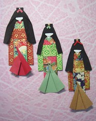 3 hand-made Japanese paper dolls on pink background (tengds) Tags: blue red brown green kimono obi papercraft japanesepaper washi ningyo handmadedoll chiyogami saapaper yuzenwashi origamidolls japanesepaperdolls origamidoll thaipaper tengds
