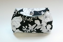 B&W floral vintage fabric clutch (miyukim26) Tags: copyright white black floral vintage pattern handmade fabric purse clutch etsy madeit coveredbutton bluecaravan madeinmelbourne miyukimardon northmelbournemarket moncdesign northcotemarket