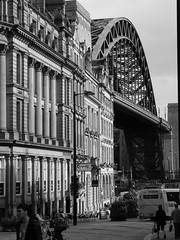Tyne Bridge, Newcastle Quayside, August 2009 (TyneWear-Rob) Tags: bridge white black 30 newcastle lumix august tyne panasonic northumberland 100 50 75 2009 upon quayside dmcfz28 nix200