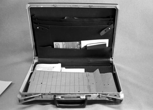 013_TREHOLT koffert 22_august_1983 001