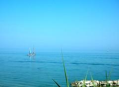 ....azzurro.... (rebranca46) Tags: friends estate blu bluesky azzurro 2009 adriaticsea valledelparadiso casteldimezzopu