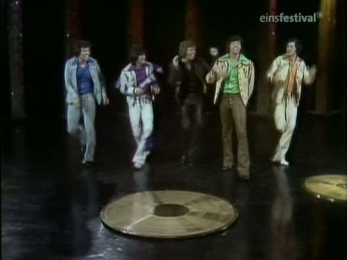 Top of the Pops (20th March 1975) [TVRip (XviD)] preview 13