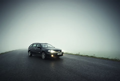 Renault Laguna II Grandtour (MaddixLuxx) Tags: auto road light sky fog 22 licht nebel slim pentax nowhere sigma renault ii crossprocessing laguna 1020 dci xenon verlassen grandtour cokin strase p121s k10d ashowoff