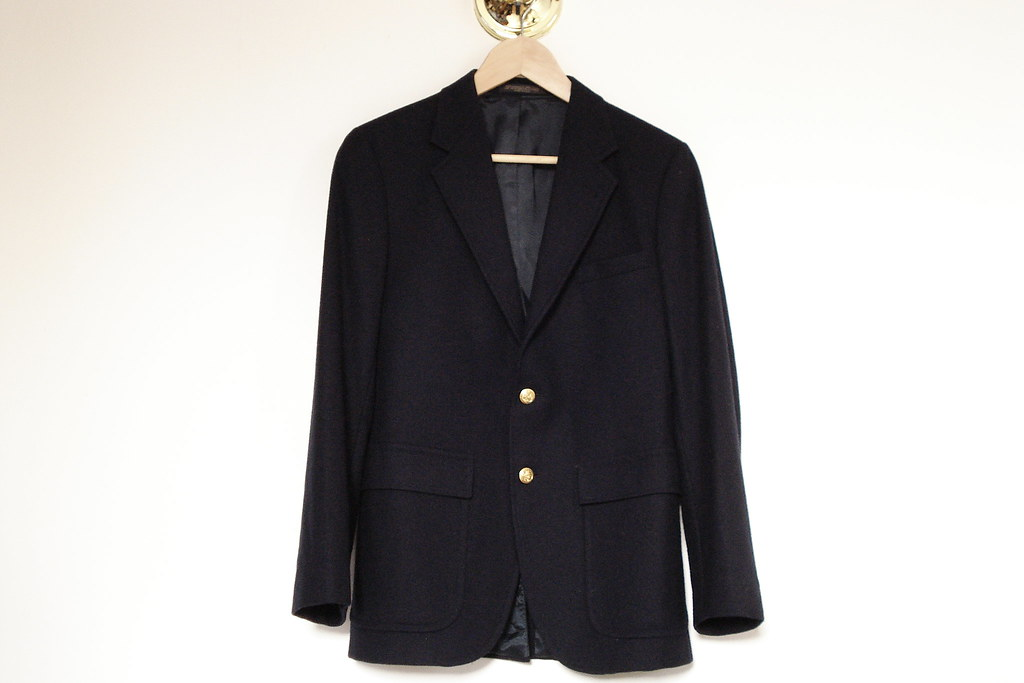 vintage two button navy blazer