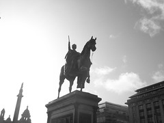 Glasgow- George Square (stuartpaterson) Tags: city uk people art architecture publicspace square scotland george post britain glasgow space georgesquare victoria queen chamber civic british neo sq chambers queenvictoria linlithgow neoclassical civicspace citychambers georgesq ageofemplre