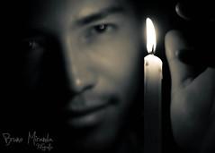 No deixa a chama apagar (MIRANDA, Bruno) Tags: amigo 50mm pb f18 vela brunomiranda