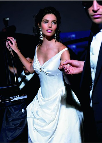 Design a wedding dress from Alan Hanah.