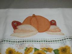 Guardanapo 01 (Selma Artesanatos) Tags: galinha milho guardanapo aplique pintinhos abobora