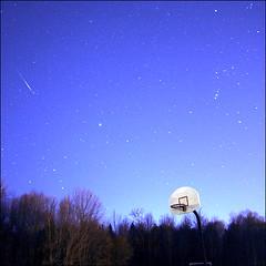 ~ Leonid Meteor ~ (ViaMoi) Tags: canada space ottawa comet meteor meteorite leonids leonid meteorshower nov17 nov18 viamoi november182009 tempeltuttle november172009 leonidmeteoroid