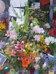 memorial for a victim in Berkeley, CA (by: Andrew Ratto, creative commons license)