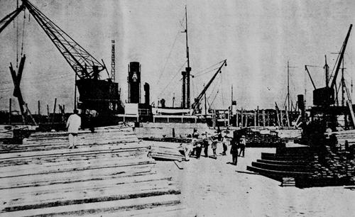 Le port autonome a connu des heures de gloire économique, comme ici dans les années 30. Photo DR