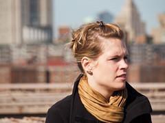 Newyorkers (miguelno) Tags: city nyc bridge portrait people urban ny newyork walking gente retrato olympus personas zuiko citizens e30 andando newyorkers nuevayork brroklyn zd40150mmed