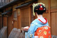 G I O N : Maiko Henshin (mboogiedown) Tags: travel people woman girl fashion japan architecture neck asian person japanese clothing kyoto asia culture maiko geiko geisha kimono obi gion custom kansai nape ochaya inuyarai kanzashi oshiro hanakanzashi kobu eriashi