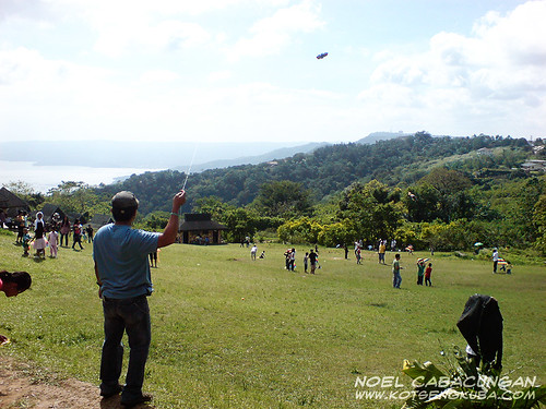 Kite Flying in Tagaytay Picnic Grove