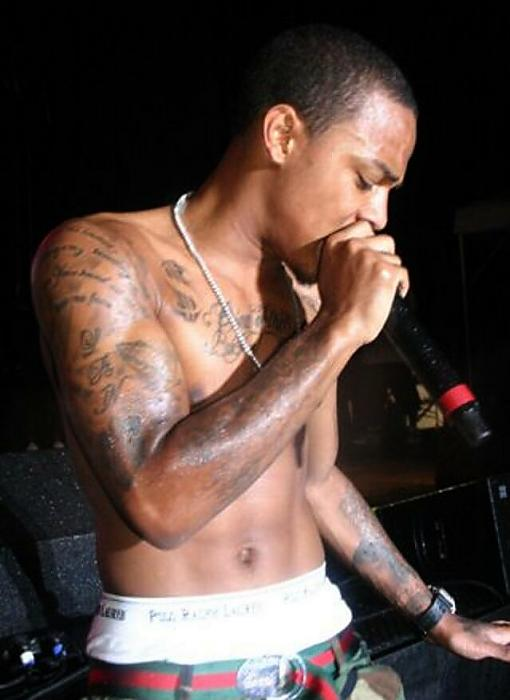 Bow Wow performing shirtless