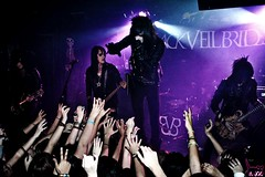Black Veil Brides (sammi.doll) Tags: black bride jake sandra bass ashley chain bands violin brides knives anaheim purdy reaction bvb ashleypurdy jinxx evaine andysixx blackveilbrides andy6 andysix jakepitts