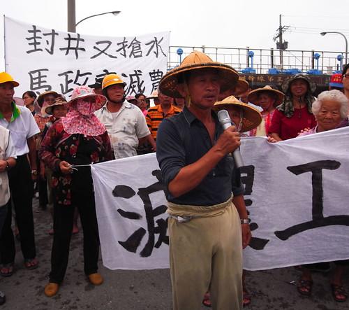 謝寶元說「馬政府根本是要滅農。滅農就是滅糧,難道真的不怕台灣沒飯吃?」(圖片來源:台灣農村陣線)