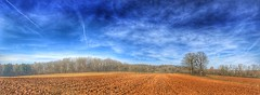 Samstag bei den Schwaben (Blende2,8) Tags: badenwürttemberg reutlingen acker bäume wald wolken himmel feld
