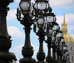 Lamp Posts of the Belle poque (Sandra Leidholdt) Tags: bridge paris france french lights frankreich europe frana explore invalides dome repetition frankrijk elegant ornate farolas francia lightposts lampioni lesinvalides ponts stylish elegance pontalexandreiii lampposts extravagance beauxarts repetitive extravagant alexanderiiibridge bellepoque lampadaires archbridges explored sandraleidholdt leidholdt sandyleidholdt