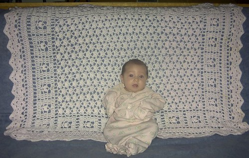 FREE Girlie Flower Baby Afghan Pattern (Crochet) | Gather