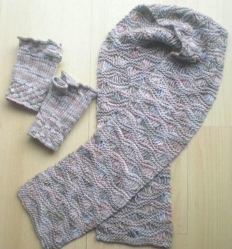 Drop Stitch Scarf and Fetching Mitts from yummy Manos Silk Blend