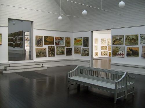 Et blik gennem udstillingsbygningen