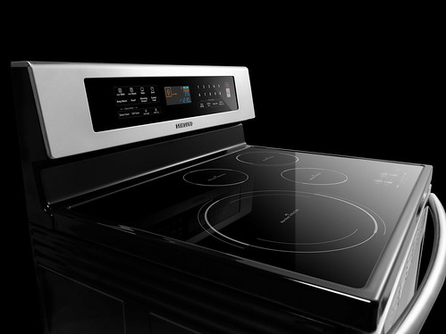 Samsungs induction cooktop, photo provided by Samsung
