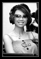 live on air. (Liz Lieu) Tags: sunglasses ipod morocco pokertournament lizlieu thepokerdiva liveradioshow propokerplayer chilipokercom chilipokerambassador wptmarrakech huguesdeffournaisephotography specialeditionphotos