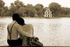 Hà Nội tình yêu và nỗi nhớ... (Đạt Lê) Tags: trip nikon tamron f28 2875 hànội hồgươm d80 hanoicorner hồhoànkiếm đạtlê