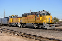 UPY SW1500 1072 and UP GP40-2 1391, Tucson Yard, December 24, 2009 (Ivan S. Abrams) Tags: railroad chicago phoenix up train losangeles illinois nebraska tucson railway trains unionpacific locomotive freighttrains nikkor railways locomotives railroads e9 e8 freighttrain tucsonarizona uprr railroadyard sd402 sw1500 goodstrain sd40 gp402 unionpacificrailroad sd70m c449w es44ac mp15dc bensonarizona railroadyards goodstrains nikkor70300mmvr northplattenebraska sybilarizona ivansabrams nikond700 pimacountyarizona cochisecountyarizona davidsoncanyonarizona lacienegaarizona abramsandmcdanielinternationallawandeconomicdiplomacy ivansabramsarizonaattorney ivansabramsbauniversityofpittsburghjduniversityofpittsburghllmuniversityofarizonainternationallawyer