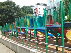 六本木 さくら坂公園(ロボロボ園)