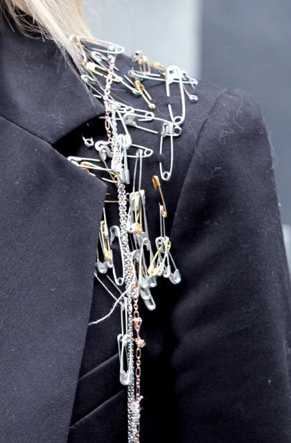 cocorosa diy safetypin jacket