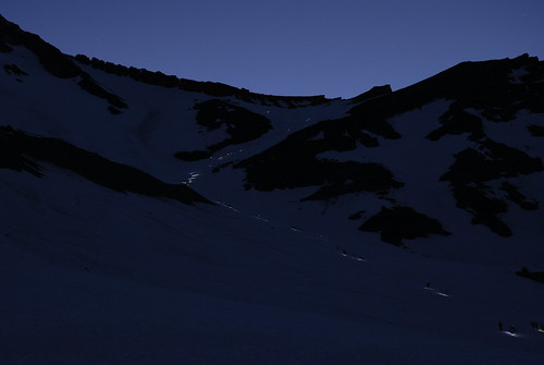 Avalanche Gulch trail at 4am
