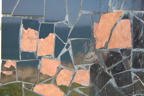 Monumento, mosaicos a reparar
