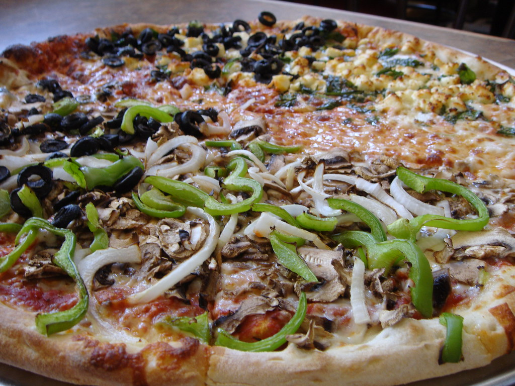 Mulit-vegetarian pizza