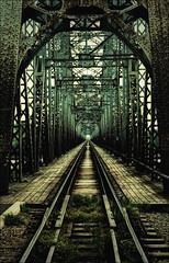 [フリー画像] [人工風景] [建造物/建築物] [線路/鉄道] [鉄橋]       [フリー素材]