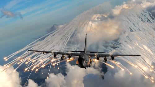 フリー画像| 航空機/飛行機| 軍用機| 攻撃機| AC-130| AC-130U|      フリー素材|