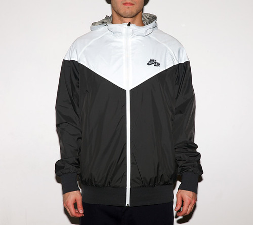 nike_windrunner_digireversible_01