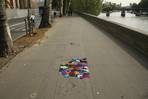 yarn bombing pavement
