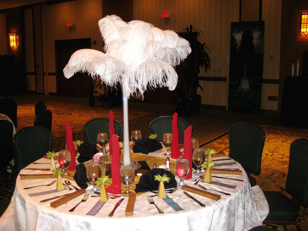 Banquet Table w/ Ostrich feathers NADWCon