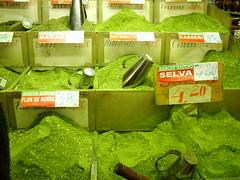 Mate verde digital (DeniSomera) Tags: verde mate cultura pampas tradicional erva tradição ervamate culturagaúcha mercadomunicipaldeportoalegre gettyimagesbrasil parafazerchimarrão
