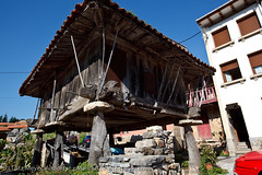 Camino de Santiago 2009 (lutzmeyer) Tags: summer spain dorf village sommer pueblo asturias september espana prado spanien iberia estiu northspain espanya poble nordspanien horrero pradoasturias livingrural
