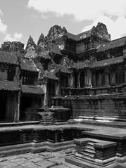 angkorwat_12 (Torben*) Tags: blackandwhite temple lumix cambodia kambodscha angkorwat panasonic schwarzweiss tempel fz50 rawtherapee