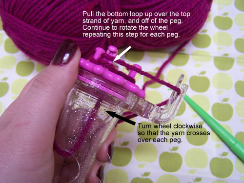 Clover Wonder Knitter: step 3